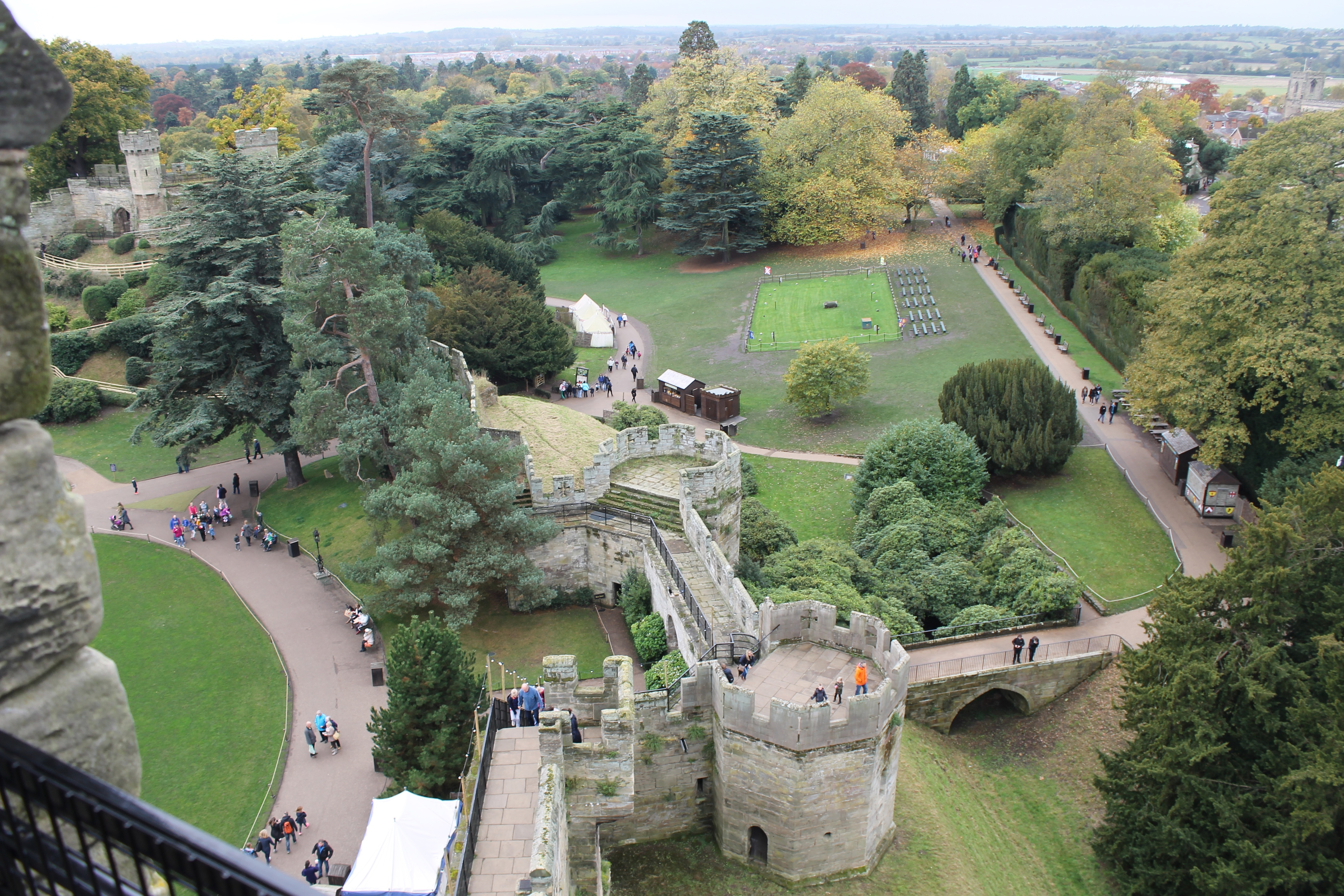 Russian_visit_to_Hartridge_view_from_Warwick_Castle.jpg
